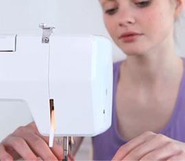 funzionamento macchina da cucire